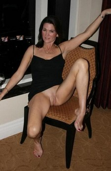 Mature stockings upskirt