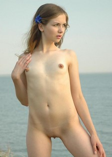 Virgin girl Anna nude in..