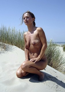 Small Tits Blonde Nude..