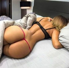 Sexy blonde booty in..